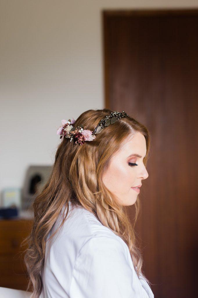 Penteado de noiva solto elegante